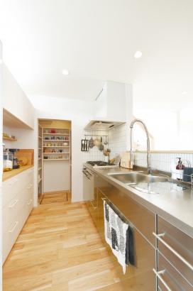 ORKS|ナチュラルな北欧モダンスタイルの家|キッチン