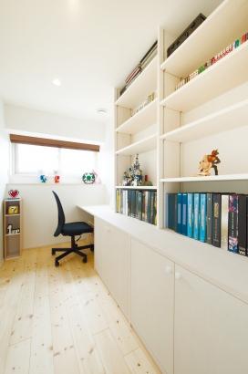ORKS|ナチュラルな北欧モダンスタイルの家|書斎