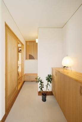 美・中川工務店│健康素材でいつでもさわやかなカフェのような空間│玄関