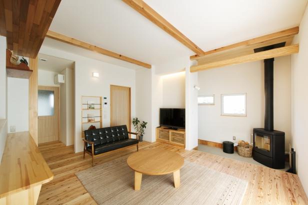 美・中川工務店│健康素材でいつでもさわやかなカフェのような空間│リビング