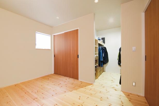美・中川工務店│健康素材でいつでもさわやかなカフェのような空間│主寝室