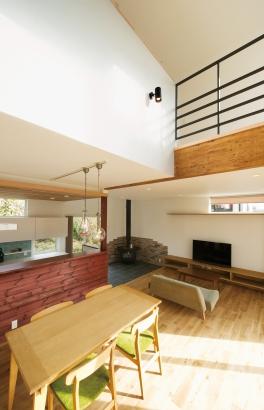鎌田工務店|薪ストーブのある暮らしを愉しむ家|LDK