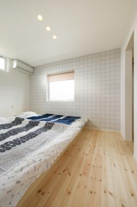 鎌田工務店|薪ストーブのある暮らしを愉しむ家|主寝室