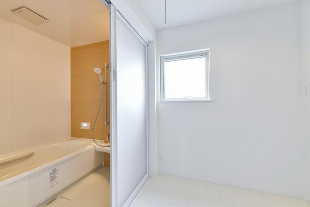 南陽市 章和ホーム│TRETTIO GRAD│浴室