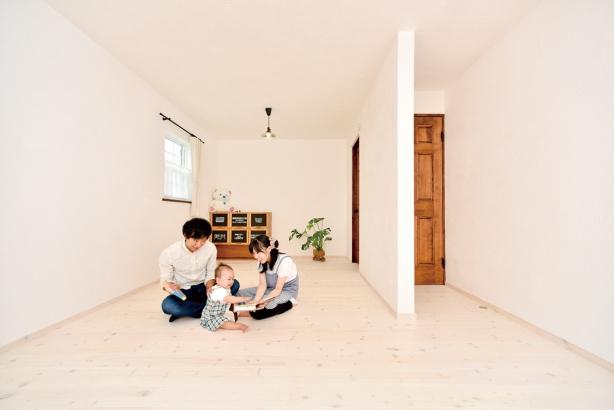 私のしろい家/西建│漆喰の壁とインテリアがマッチした自然素材の家│子ども部屋