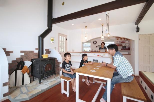 私のしろい家/西建│スイス漆喰カルクウォールが創り出す上質な空間と美しい景観│LDK