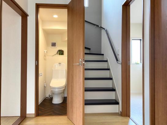 収納力を高めたオシャレな家 トイレ